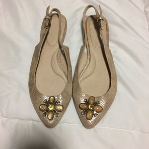 Lindsay Phillips Flats- size 6